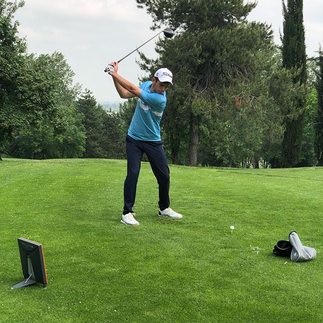 Nice outdoor fitting session with Top Amateur player @taylormadegolf @fujikuragolf @clubfitting